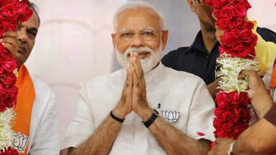 प्रधानमंत्री नरेंद्र मोदी ने उर्दू और अंग्रेजी में लोगों को ईद की मुबारकबाद दी