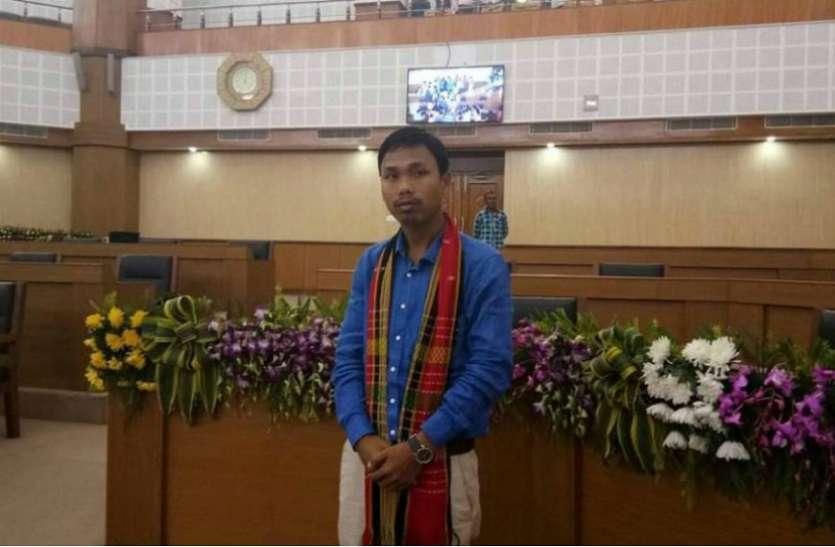 आईपीएफटी के विधायक धनंजय त्रिपुरा ने दुष्कर्म के आरोप के बाद मंदिर में रचाई शादी
