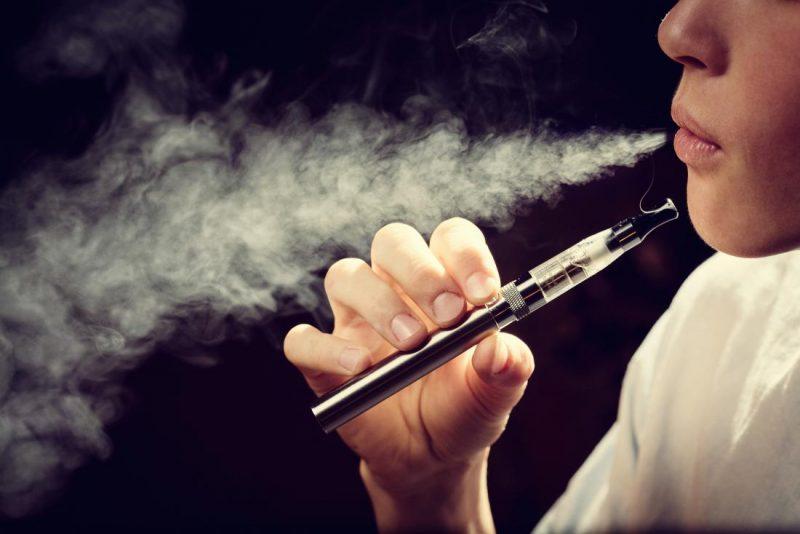 मसालेदार ई-सिगरेट से हृदय रोग का जोखिम ज्यादा